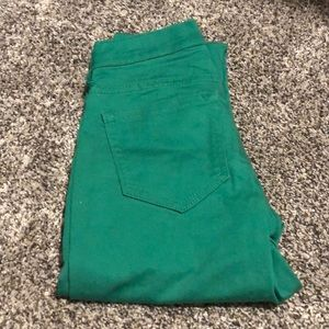 Old Navy green size 0 cropped pants